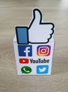 social media traktatie doosje